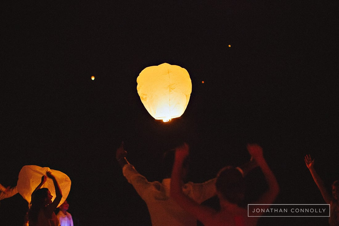 wedding-lantern-send-off