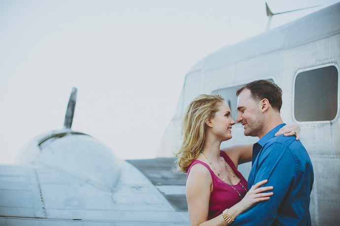 airport engagement photos